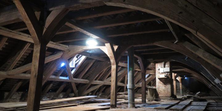 Průzkum krovu na Zámku v Náměšti nad Oslavou